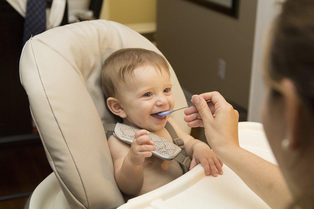 Co dawać do jedzenia rocznemu dziecku?